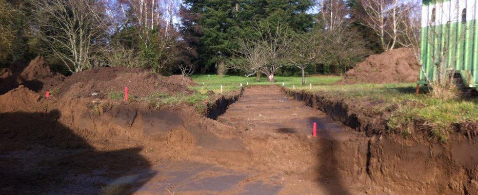 Décapage terre végétale entrée de site & cheminement doux.